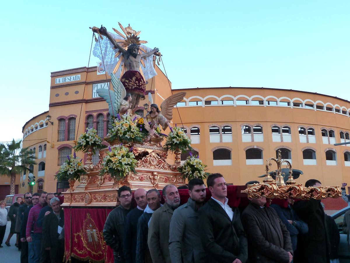 ... Y Diciembre se encontró al Santo Cristo por Juan XXIII