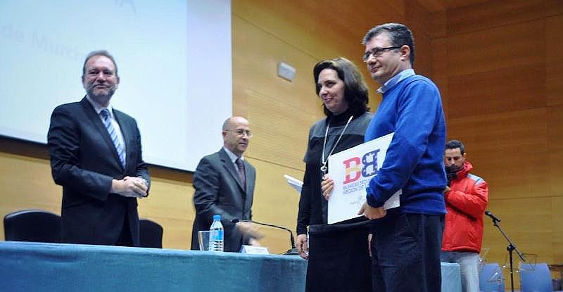 El IES Los Albares recibe el distintivo de centro bilingüe