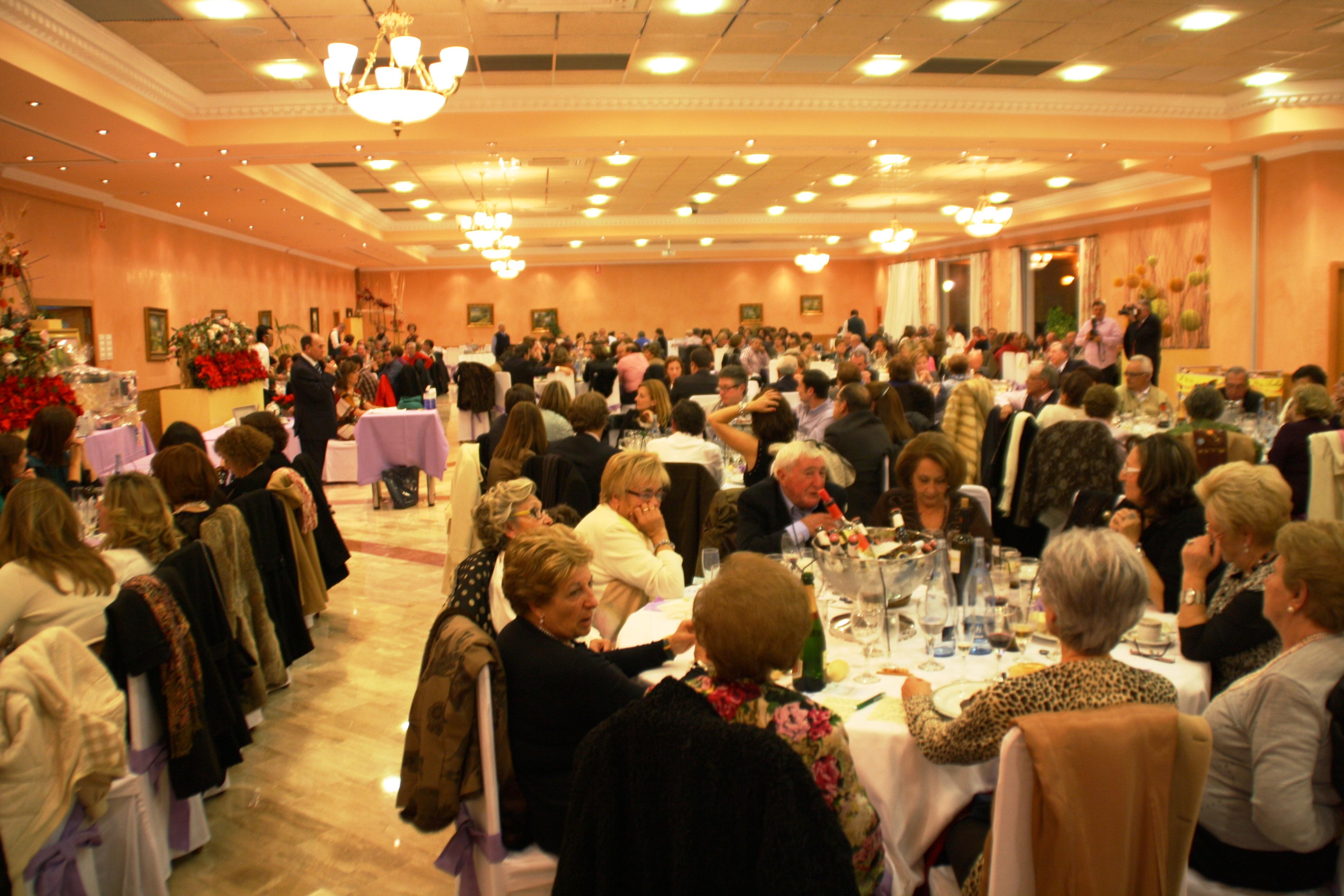 La cena benéfica de la Junta Local de la AECC bate récords
